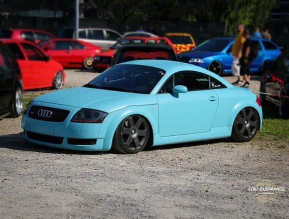 Audi TT gedippt mit türkis glänzend